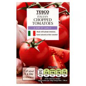 Tesco Italian Chopped Tomatoes Olive Oil & Garlic 390g