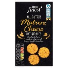 Tesco Finest Extra Mature Cheddar Oat Nibbles 125g